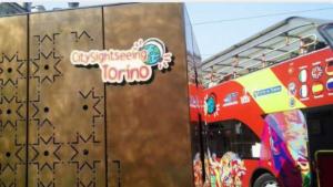 Cosa c'è da vedere a Torino? Torino Mole Antoleliana con autobus turistico